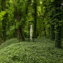renmen (outdoor), 2015, 300×72×72 cm , Mixed Media (Land Art Schlosspark Wagenitz) Photo : Takayuki Daikoku