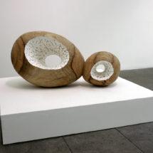 Doppel Ceres/ドッペル・ケレス, 2018, 38×73×31cm, Camphor tree, Stucco/楠・漆喰